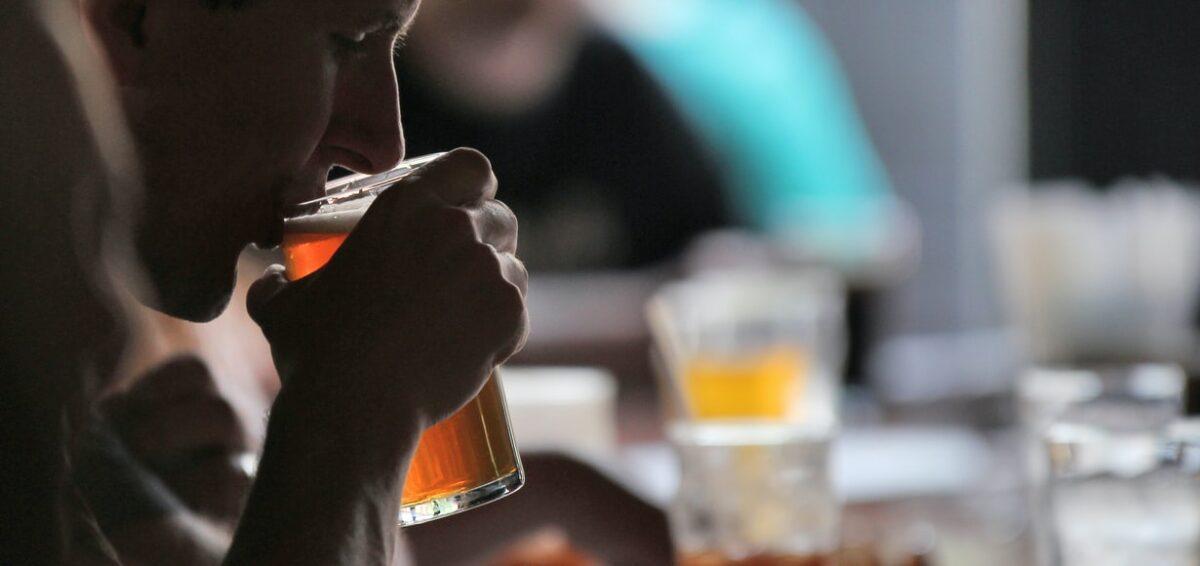 Bere birra nei locali di Reykjavík