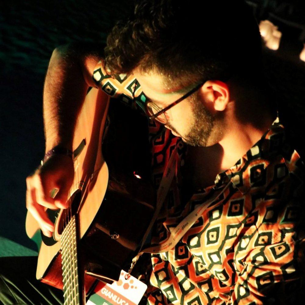 Fanelli e la chitarra